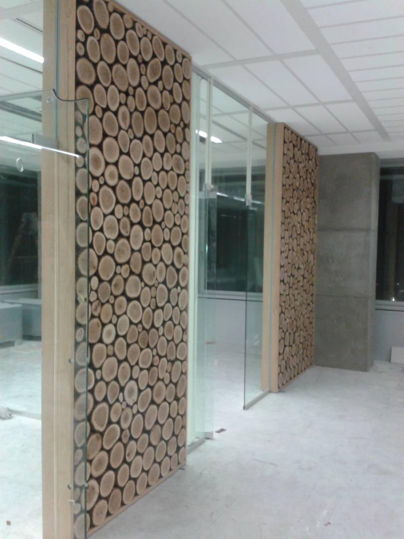 pregradni steni -akatsievi trupi v smola ,dabovi ramki,staklo